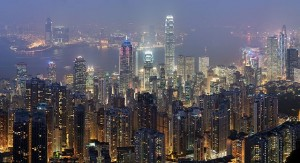 800px-Hong_Kong_Skyline_Restitch_-_Dec_2007-640x347