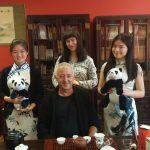 Ceremonia parzenia herbaty z gośćmi z Sewilli